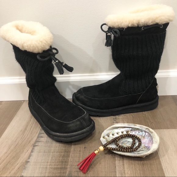 UGG Shoes - Ugg Suburb Crochet Boots